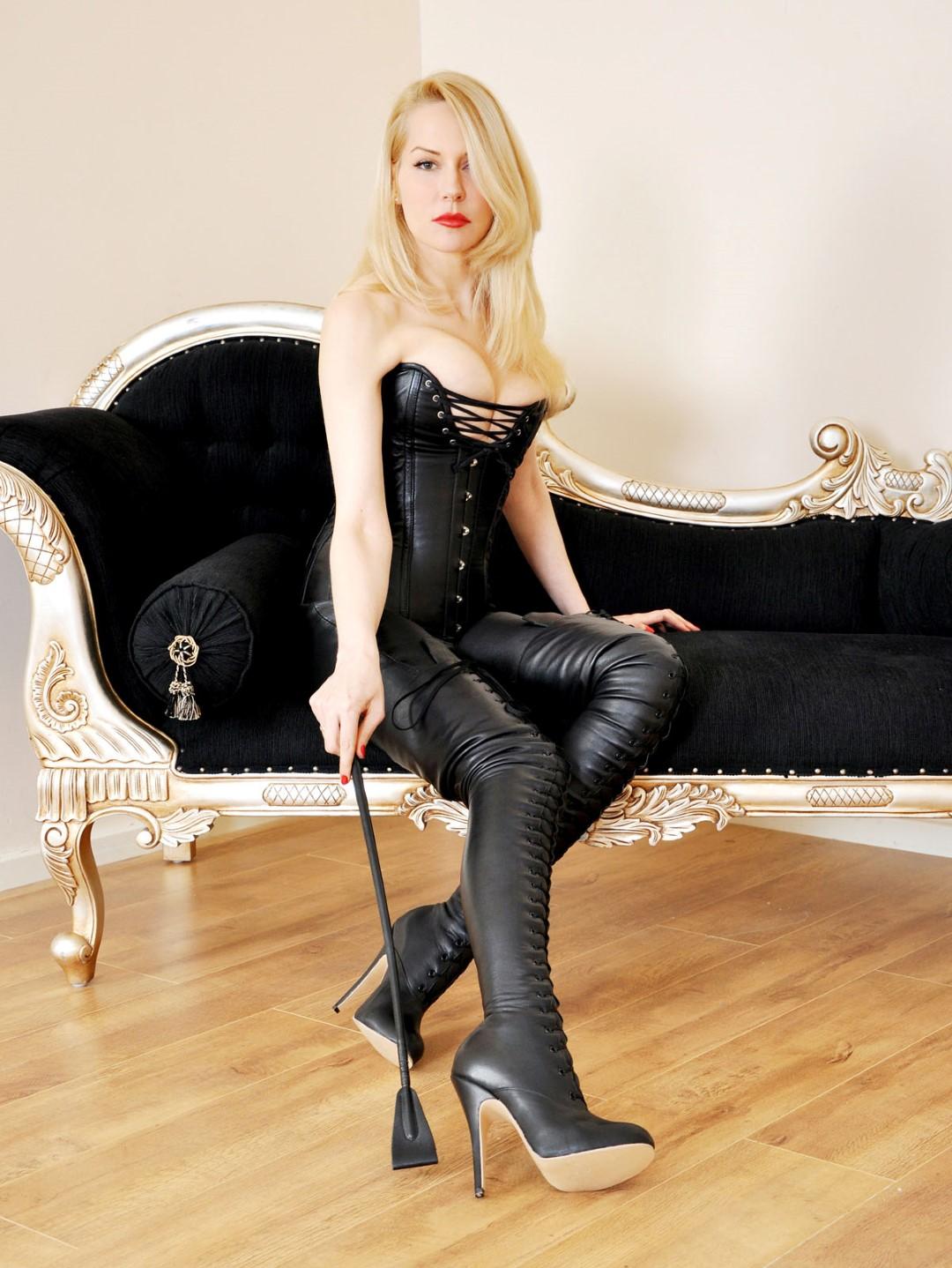 Mistress Eleise GALLERY